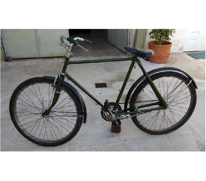 Antigua bicicleta inglesa