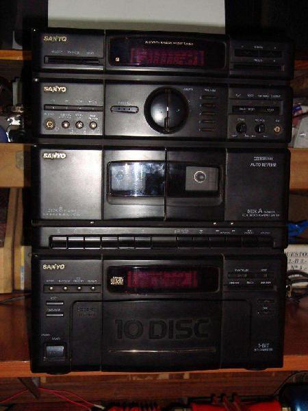Equipo musica sanyo con radio cassettera y para 10 cd