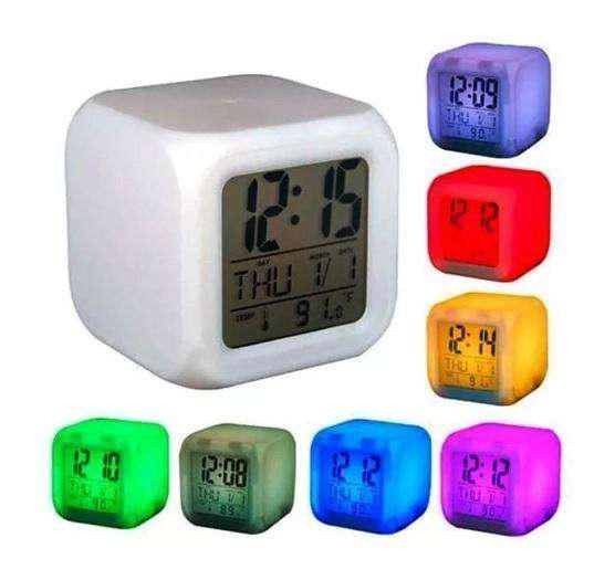 Reloj despertador digital luz color temp pilas la plata