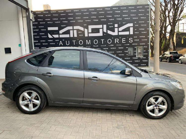 Ford focus trend 2012 c/gnc..financio...108.000km