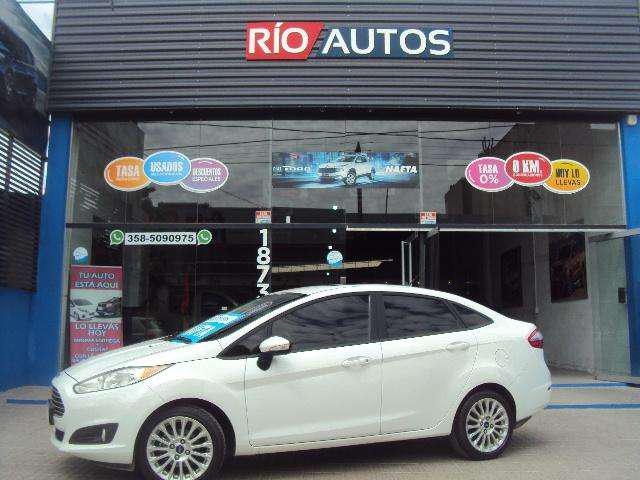 Ford fiesta 1.6 se plus excelente estado 2014