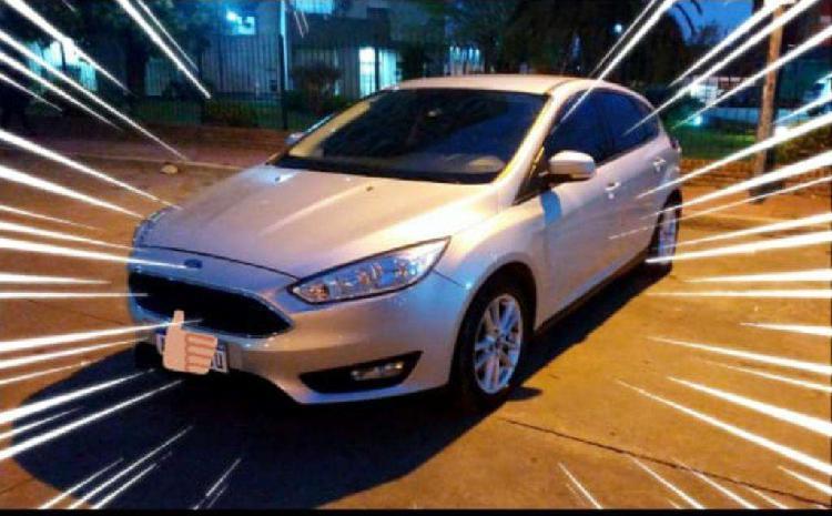 Ford focus vendo o permuto menor valor