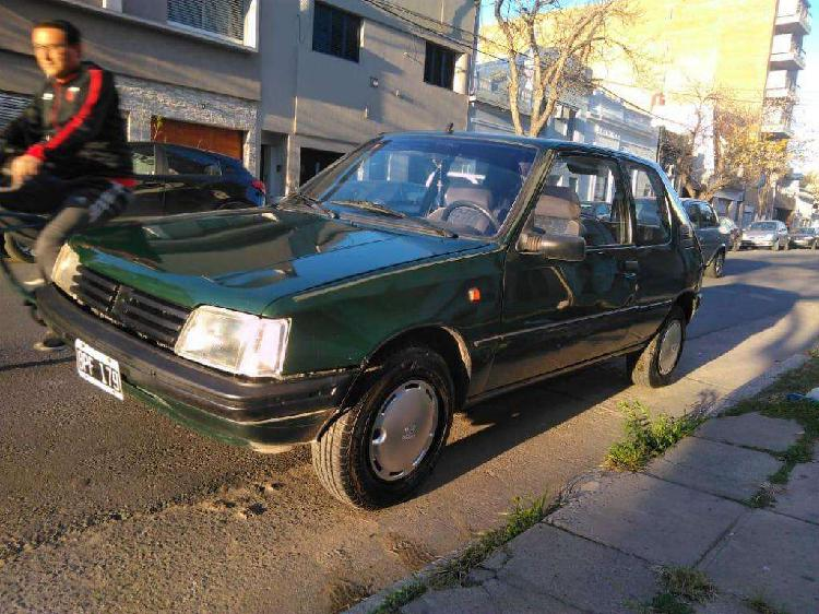 Peugeot 205 1997 nafta impecable canje mayo menor valor y