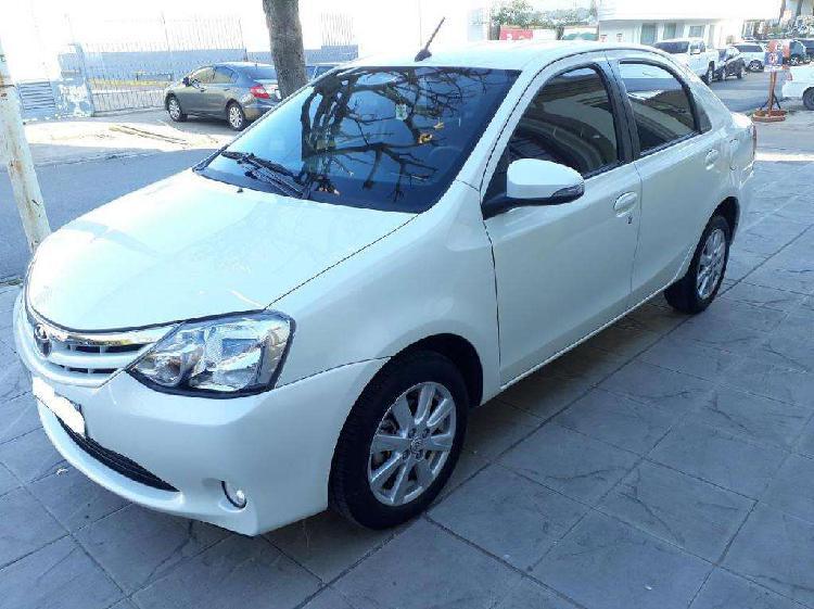 Toyota etios 1,5 xls 6m/t 2017