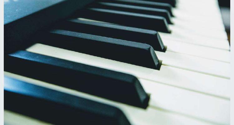Clases de teclado y piano a domicilio