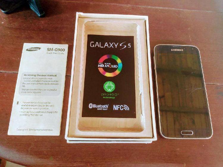 Samsung s5; y motorola g6 play