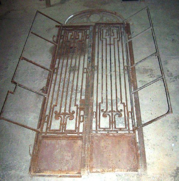 Puerta antigua hierro forjado dos hojas