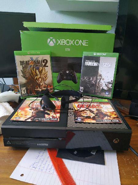 Xbox one 1tb con joystick y juegos