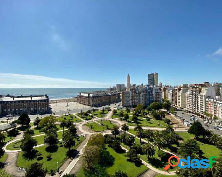 2 ambientes con vista plena al mar y a plaza colon. reciclado.