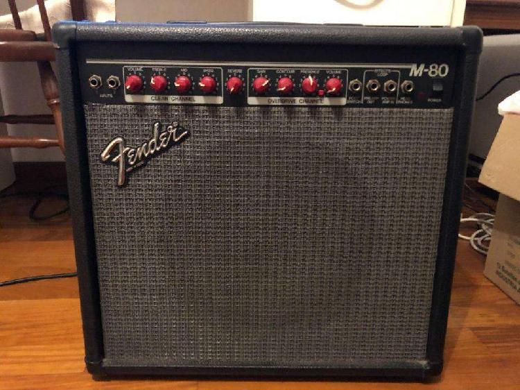 Amplificador fender m-80 usa con footswitch impecable