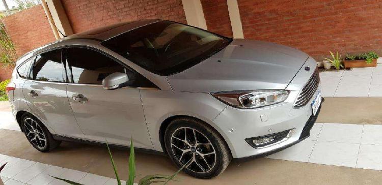 Ford focus 2.0 5p titanium power l/16 2017