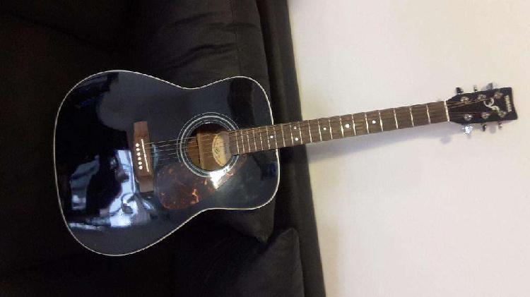 Guitarra yamaha acustica