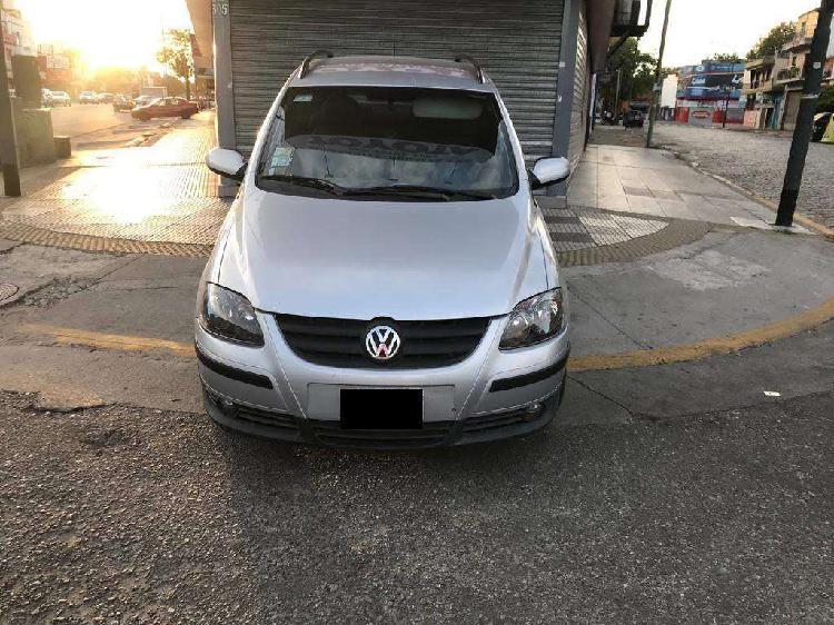 Volkswagen suran confortline 2010 full