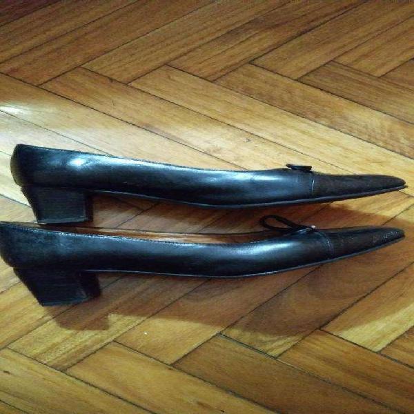Zapatos mujer cuero negro