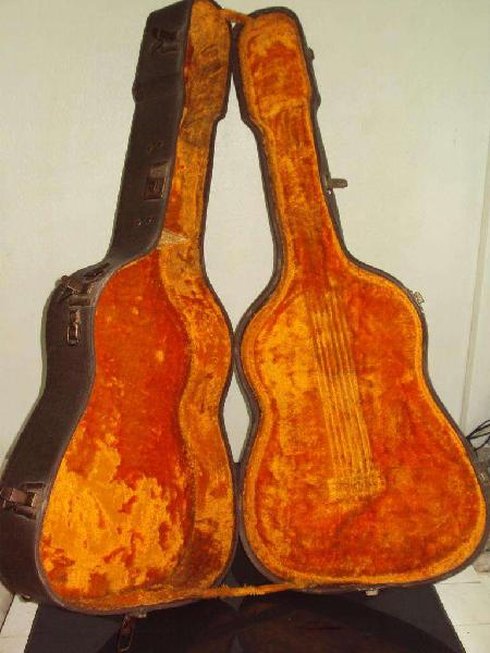 Estuche rigido para guitarra antiguo