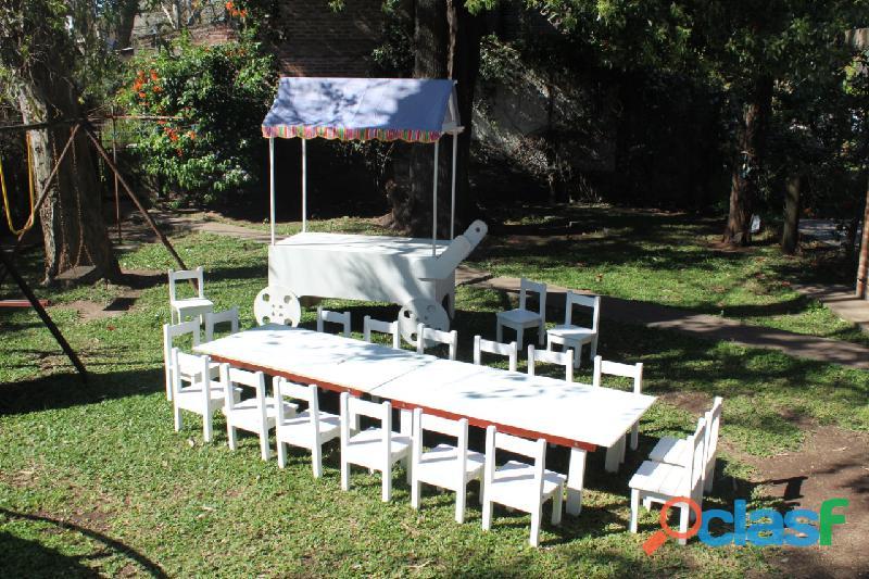 Alquiler de mesas y sillitas de madera para nenes