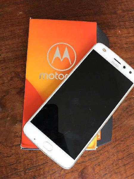Motorola Moto z2 libre
