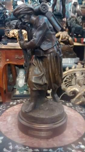 Antigua figura de petit bronce soldado argelino frances