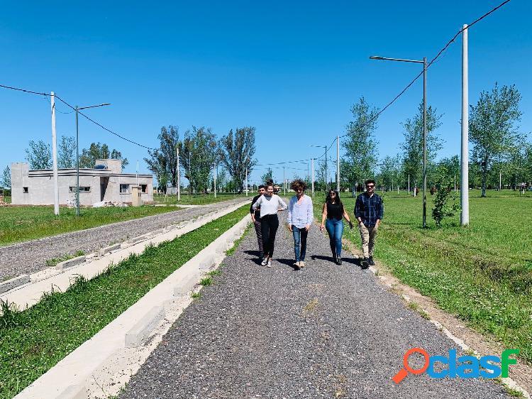 Vendo terreno financiado de 350 m2 en Piñero barrio Pinares del Sur 1