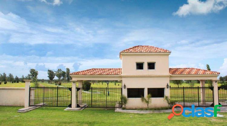 Vendo terreno financiado de 350 m2 en Piñero barrio Pinares del Sur 3
