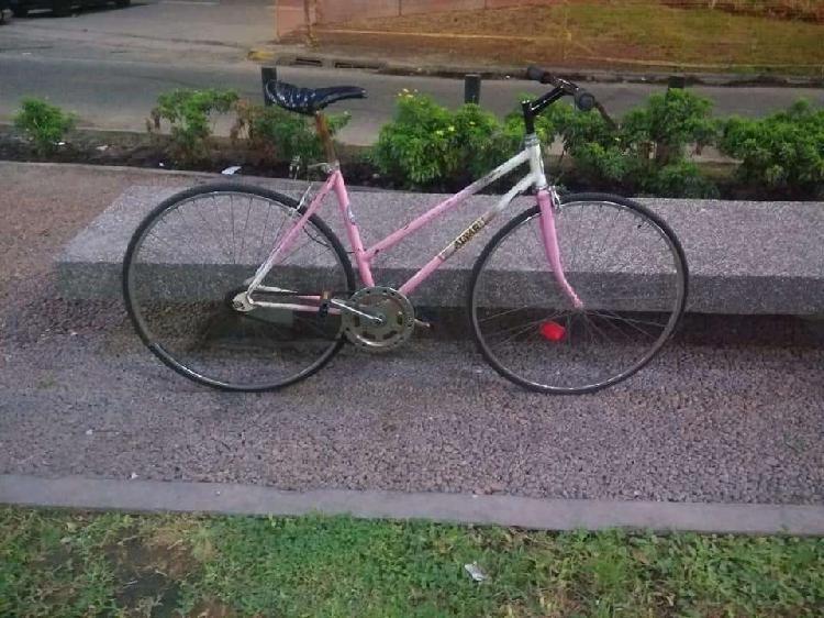 Bicicleta de mujer r.28 media carrera
