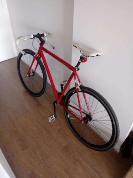 Fixie (fabricada por Bicicletas Urbanas)