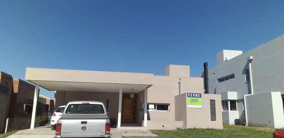 Venta hermosa casa country vilanova en Yerba Buena
