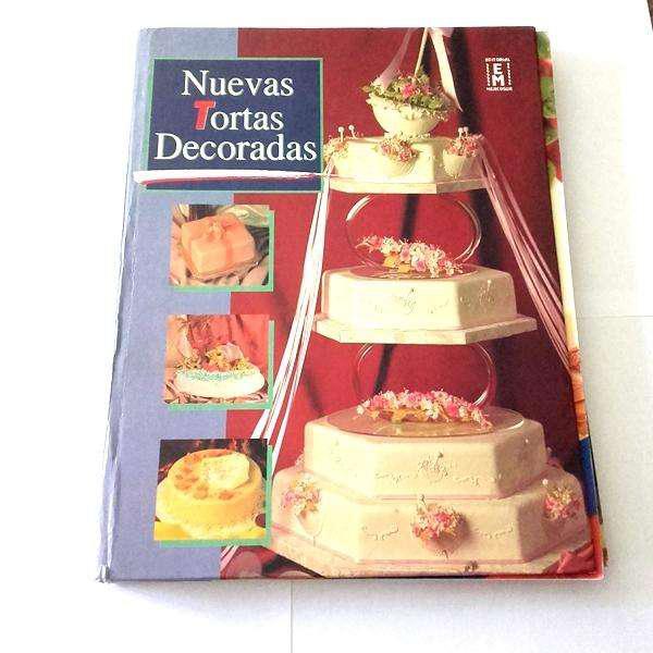 Libro de nuevas tortas decoradas.