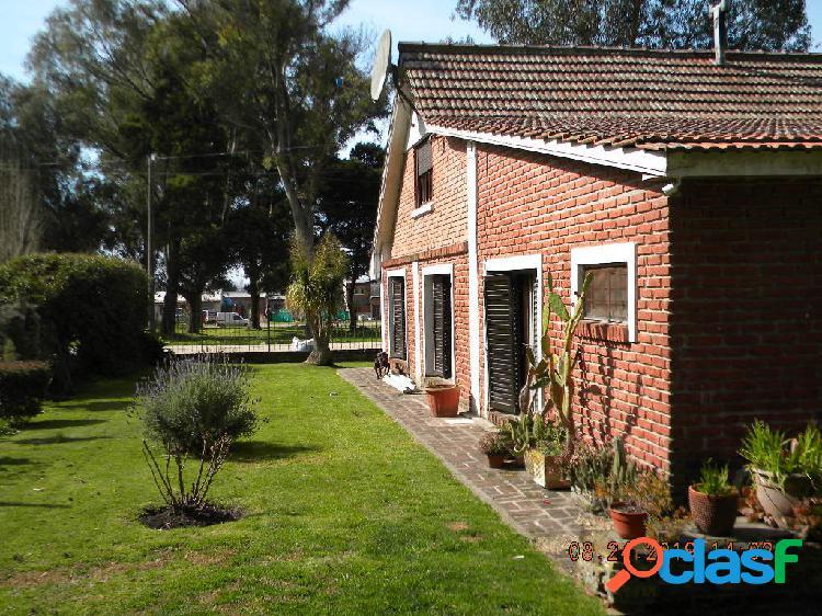 Venta chalet 5 ambientes 2 baños garage jardín patio