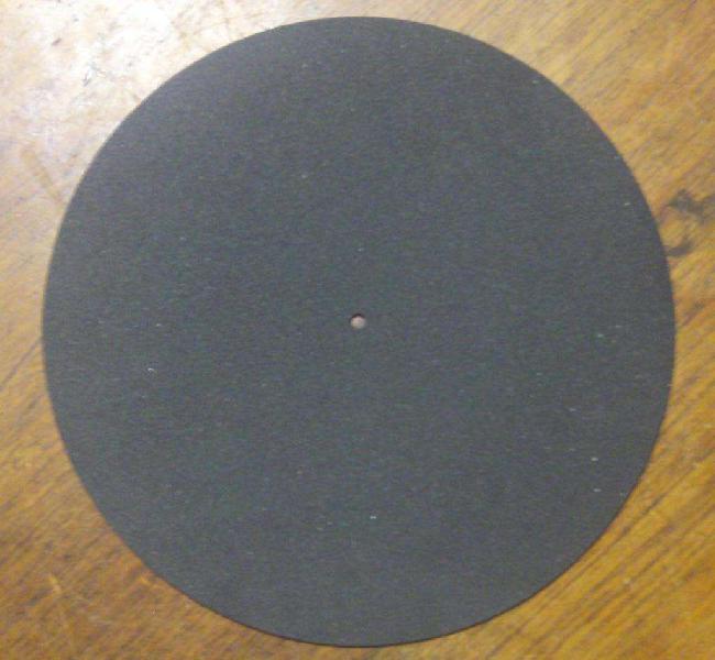 Cubierta de goma negra para todo tipo de bandejas winco