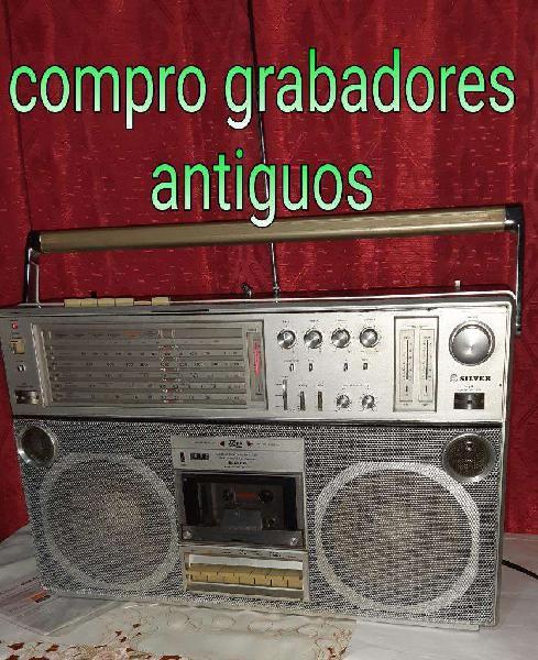 Radiograbadores antiguos.