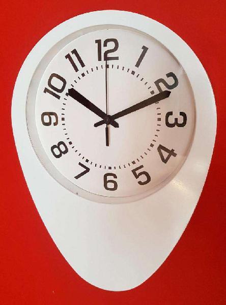 Reloj pared plastico gota. nuevo