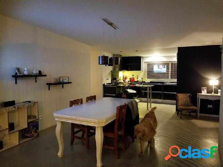 Venta importante propiedad en Arenas del Sur! Pileta,parrilla,cochera cubierta y descubierta.