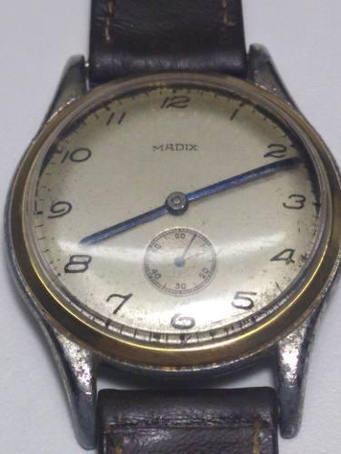 Antiguo reloj madix cuerda manual agujas azules cal as984