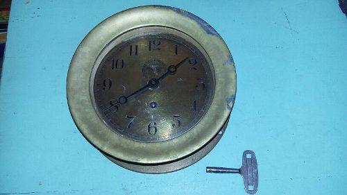 Reloj antiguo de barco en bronce chelsea funciona con llave