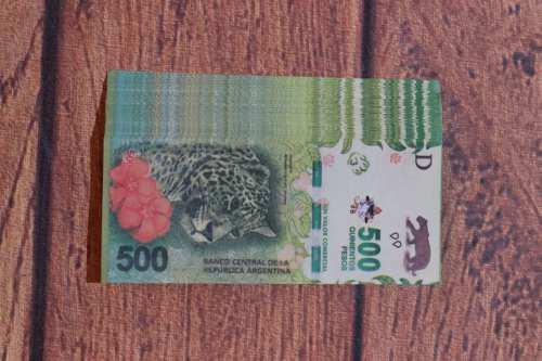 Billetes cotillón utileria $500 pack x 100 unid.sin valor