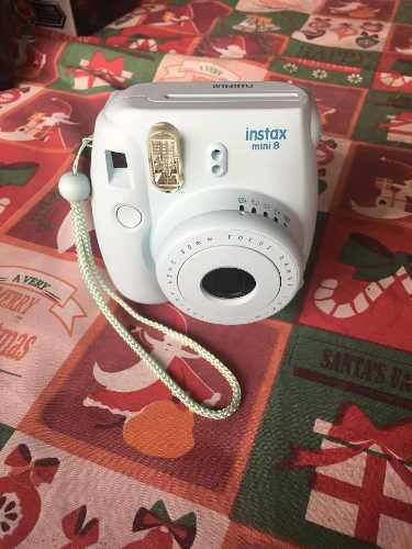 Cámara Instantánea Fujifilm Mini 8 Con Funda Color Celeste