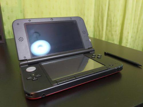 Nintendo 3ds xl roja + cargador + 2 juegos originales
