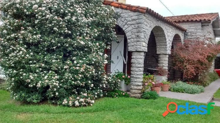 Chalet chauvin ideal para refuncionalizar o vivienda.