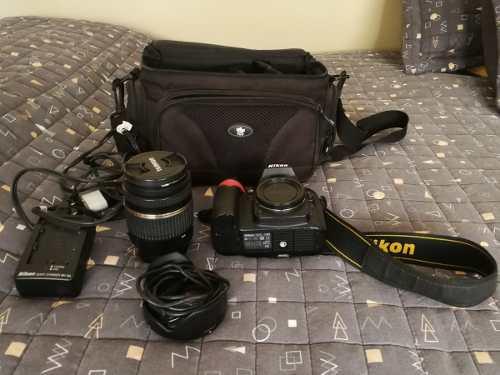 Camara reflex nikon d90 con lente tamron 18-270 mm