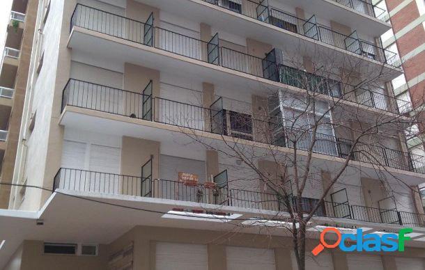 Ambiente al frente con balcon