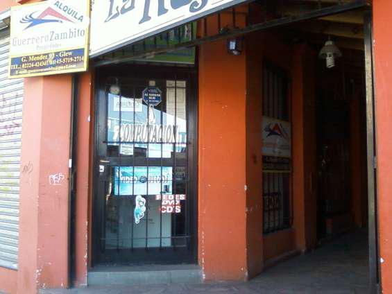 Local comercial sobre calle a 100 metros de estación glew