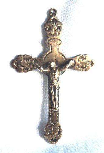 Antigua cruz de bronce con cristo crucifijo