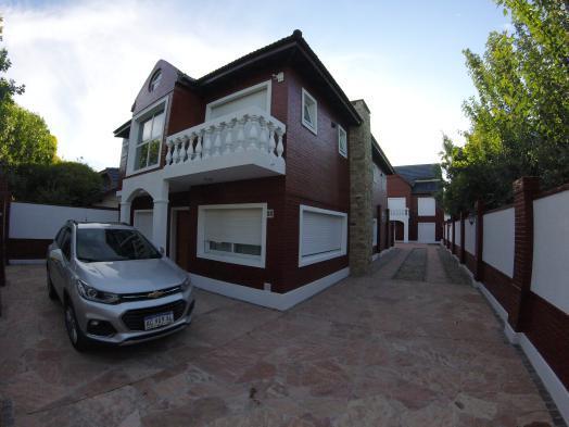Casa + 2 duplex en venta (1286) en la lucila
