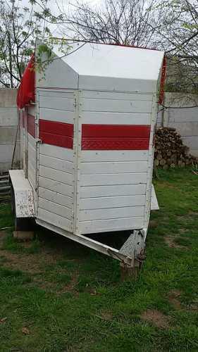 Trailer para 2 caballos con doble eje