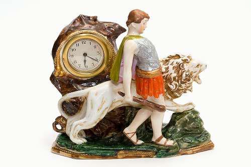 Antiguo reloj de porcelana (alemán)