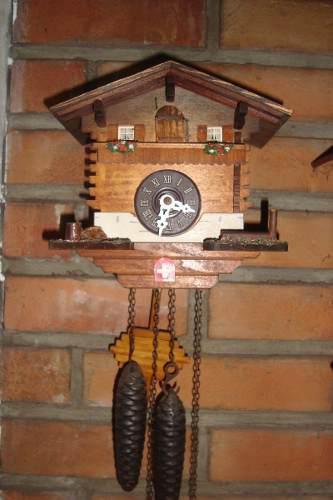 Reloj antiguo cucu aleman, casa suiza, funcionando, miralo