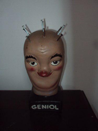 Antigua cabeza de geniol (publicidad)