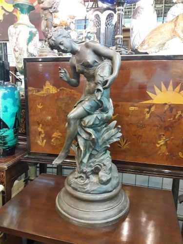 Antigua escultura francesa.m. moreau. envio gratis