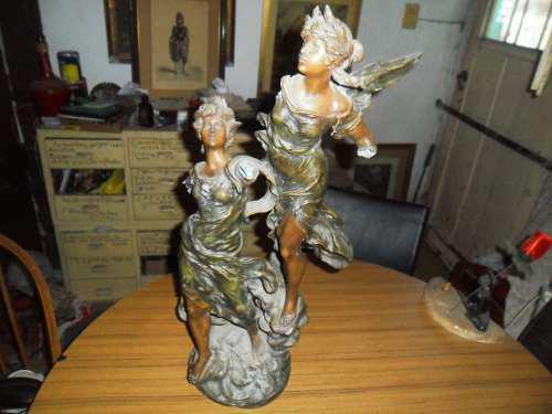 Antigua escultura petit bronce l y f, moreau a restaurar